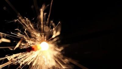 Burning Bengal Lights Sparkler 8